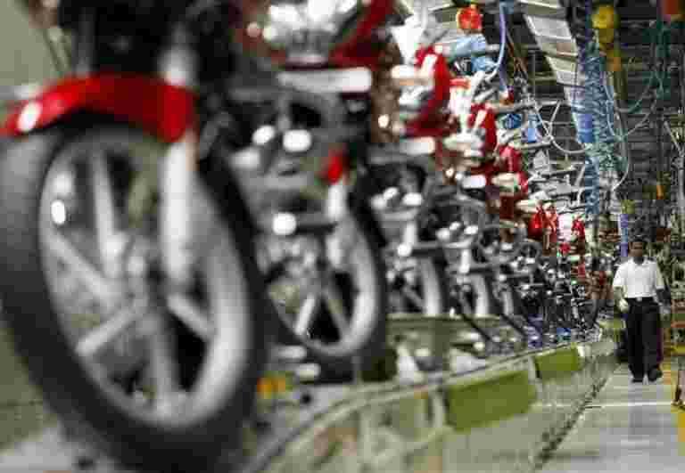 Bajaj Auto通过客户提供更高的输入成本