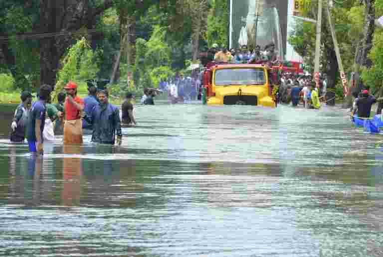Reliance Foundation捐赠了21亿卢比到洪水袭击喀拉拉邦