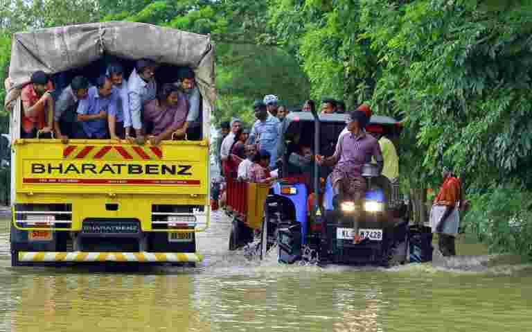 Bajaj Auto宣布为喀拉拉邦泄洪率为2亿卢比贡献