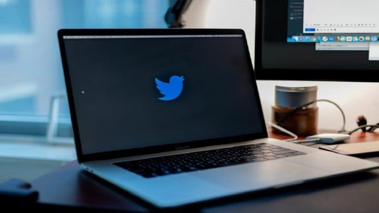 尽管与政府脱离了,印度的推特下载会看到Uptick