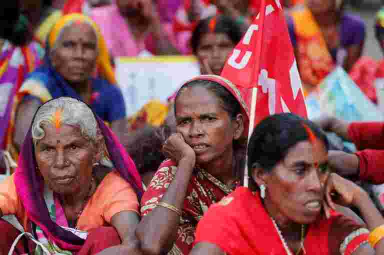农业部长Radha Mohan Singh表示,超过30%的农业资金赋予妇女农民。