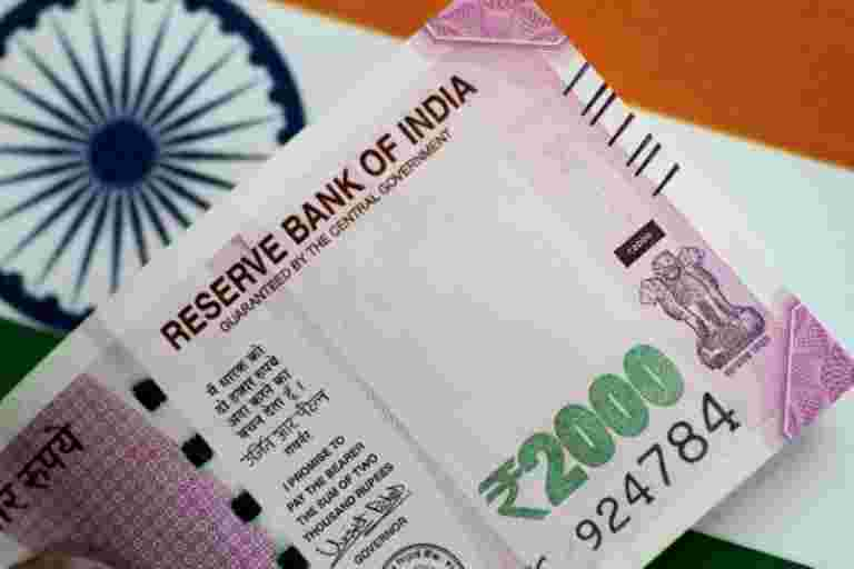 2017  -  18年印度的家庭债务几乎双打至6.74万卢比:RBI.