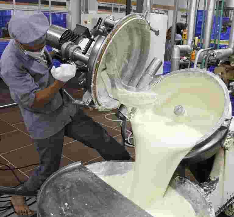 卢比225亿卢比补贴到牛奶农民等待银行账户
